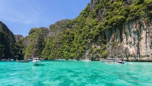 "Chiude in Thailandia la baia di ""The Beach"""